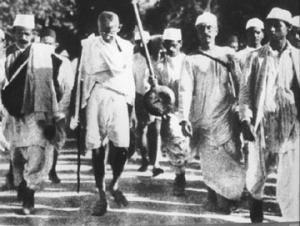 Gandhi pendant la marche du sel - 1930